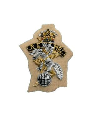 REME Royal Electrical Mechanical Engineers Officers Beret Badge Light Sand R2355